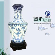 雅缶牌陶瓷 大埔厂家直销 10寸薄胎青花瓷六角瓶 手绘陶瓷家居摆件 配LED灯