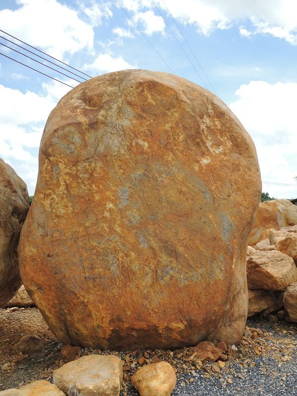 厂家低价销售开封园林石,开封风景刻字石,洛阳园林黄蜡石