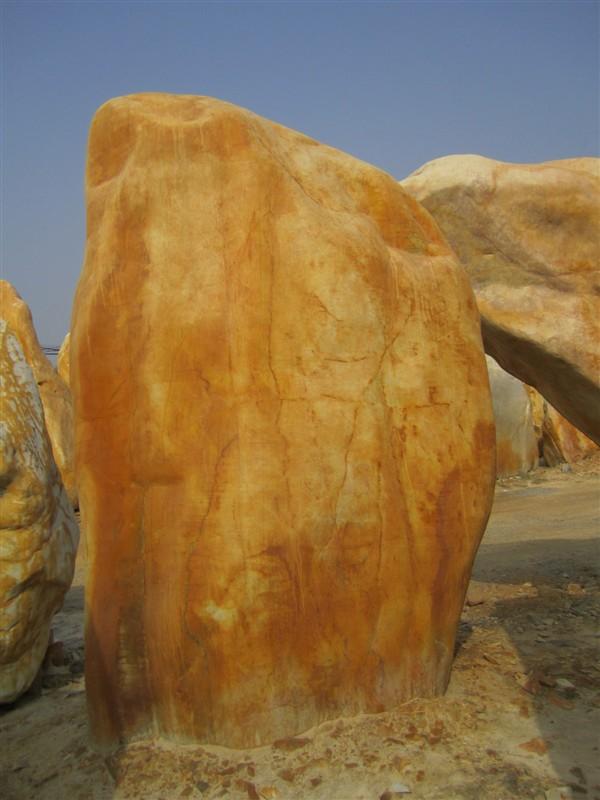 供应粤北地区黄蜡石销售基地,园艺石,假山石