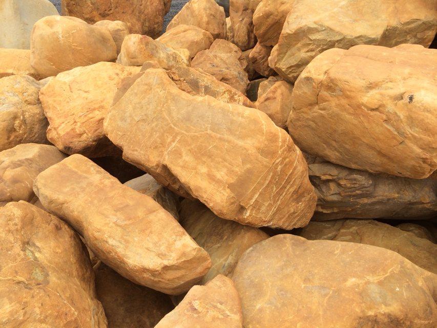 供应全国景观石批发基地,园林石批发,假山石批发
