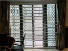 郑州新型牛盾防盗窗 智能报警防盗 隐形防盗窗 纱窗