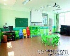幼儿园课桌椅图片,成都幼儿园长方桌,四川幼儿园六人桌椅,儿童月亮桌,圆桌,方桌