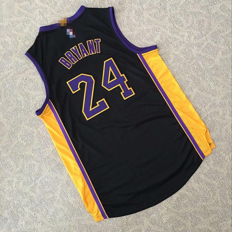 篮球衣服黑色                   请注意:本图片来自广州宝蓝蔻服饰图片