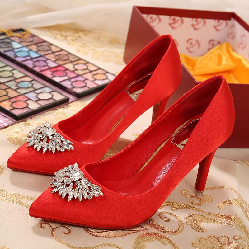 婚鞋批发代理水钻尖头高跟鞋秋中跟细跟水晶鞋小码31新娘鞋结婚