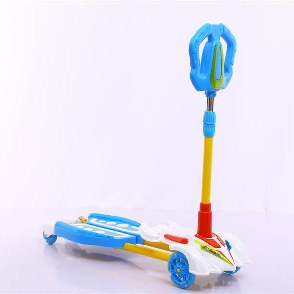 尖头卡通蛙式双脚踏滑板车(带闪光灯)