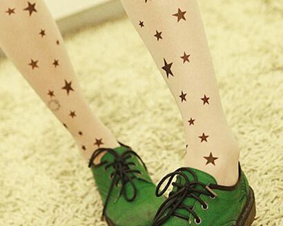 日系美眉最爱的丝袜款