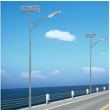 厂家直销  7米太阳能路灯