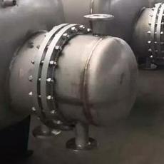 HRV-01系列卧式导流型半容积式换热器、半容积式水加热器、半容积式热交换器、半容积式蓄热水加热器