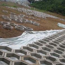 堤坝护坡模具生产性能  堤坝护坡模作用