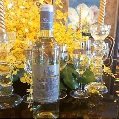 阳菲 红岩半甜白葡萄酒