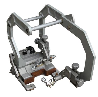 熔化极气体保护焊机四轮驱动(TWF30-3)