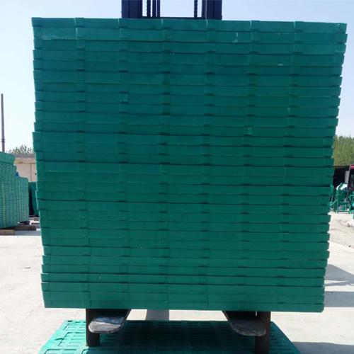 新乡松瑞批发复合漏粪板 猪用母猪漏粪板厂家 复合漏粪板厂家  产床漏粪板价格