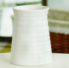 供应批发生产白色螺旋条纹陶瓷花瓶