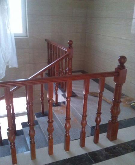 供应厂家加工生产实木楼梯 欢迎采购