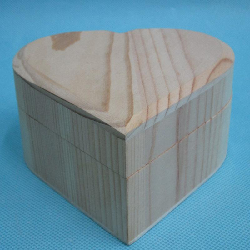 现货木制包装盒首饰盒 木质爱心形木盒 桐木心形彩绘粘土手工盒