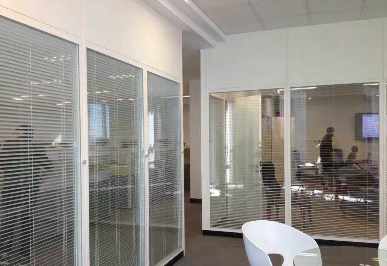 组合式钢质办公隔断墙,办公室玻璃隔断,办公室装修隔断墙