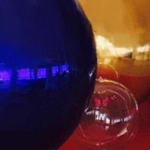 镜面球pvc彩色充气镜面反光球舞台道具商场活动装饰品气模模型