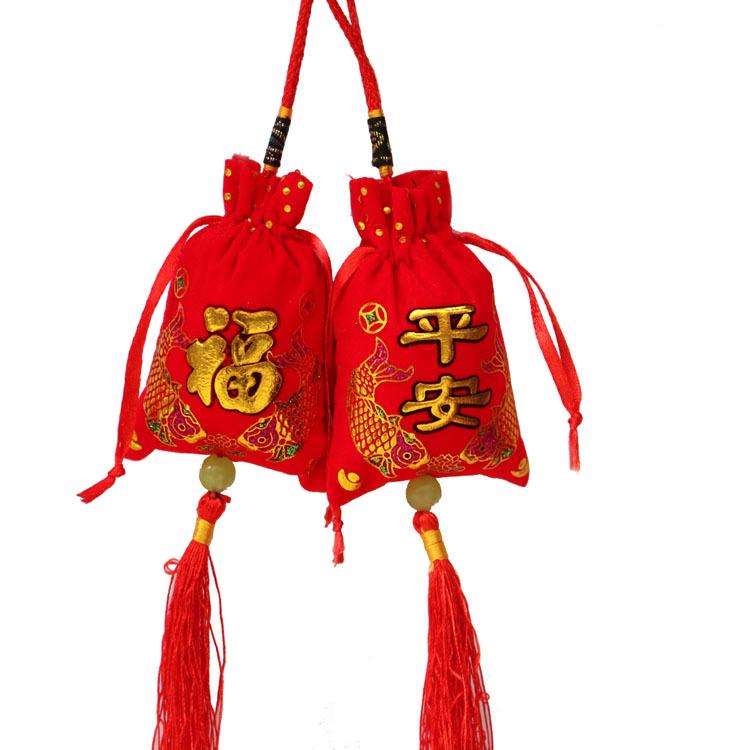 供应 新品大红色绒布烫金平安福香囊香袋空袋 抽拉式金色鱼香包挂件