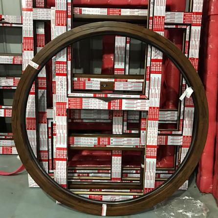 铝包木内开内倒窗-北京铝包木封阳台厂家-金刚网一体窗价格-北京思耐门窗官网