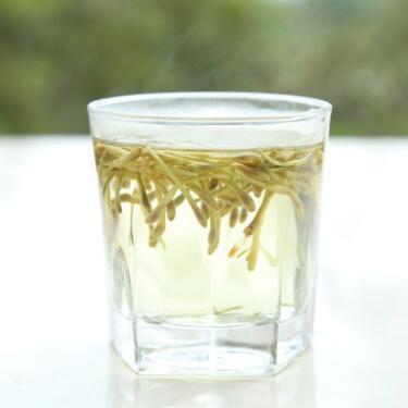供应 现货供应高质量可冲泡金银花 精选优质散装金银花 可做药材