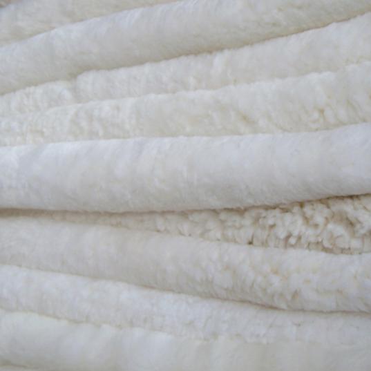 供应 皮毛厂家生产 白色鞋里皮 澳洲优质羊皮