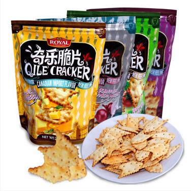 供应 休闲袋装零食趣园饼干厂家批发直销奇乐脆片饼干健康洋葱味