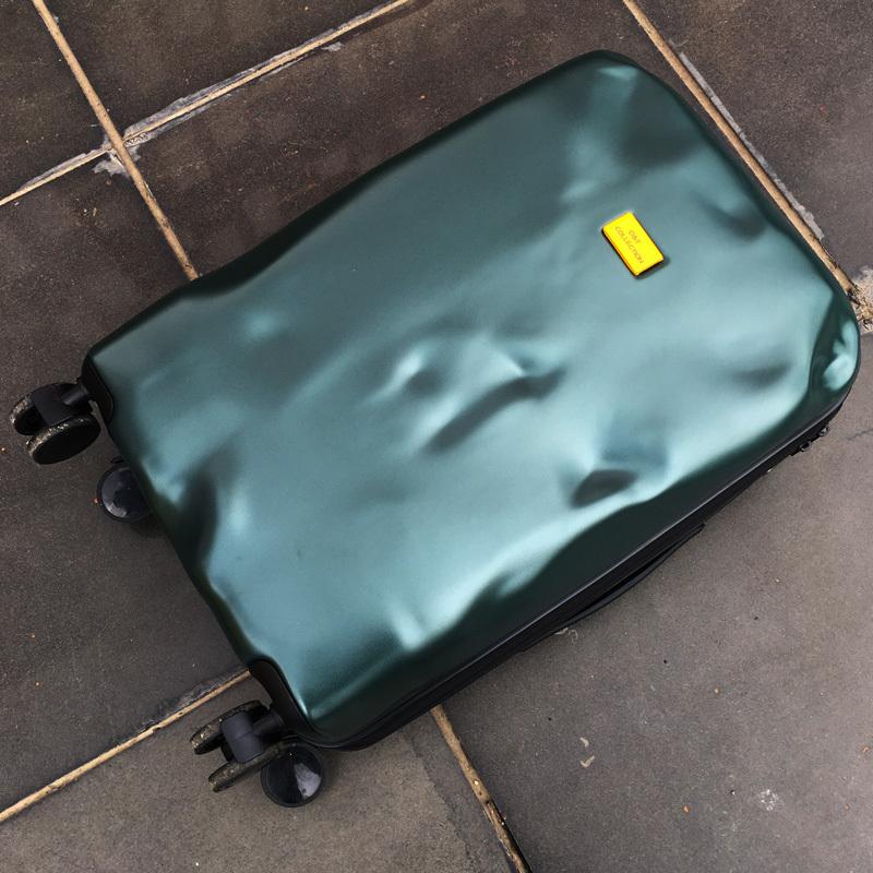 供应 个性破损拉杆箱万向轮超轻密码旅行箱子外交行李箱