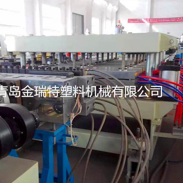 木塑结皮发泡板设备PVC建筑模板生产线
