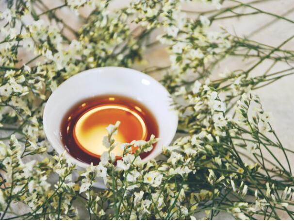 秋季蜂蜜养生?秋季蜂蜜的功效与作用?