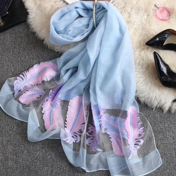 春季新款围巾女欧根纱丝巾夏季防晒披肩百搭装饰沙滩巾批发
