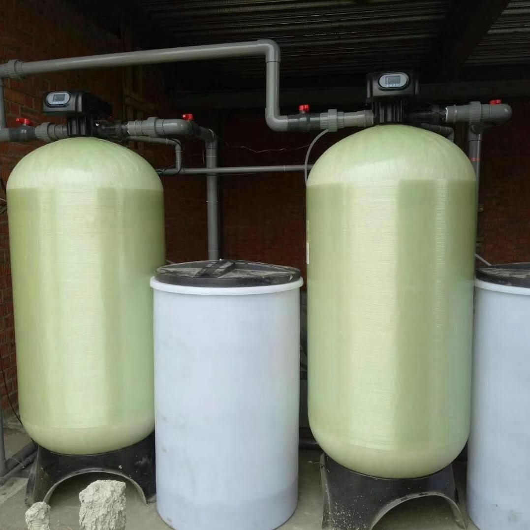 产地货源供应润新软化水处理设备3吨锅炉软化水设备 自动软化水设备