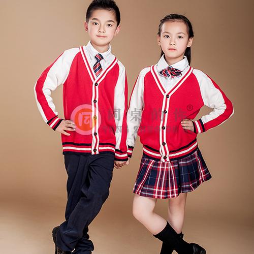 同桌的你幼儿园校服定做厂家专业打造校园服饰文化