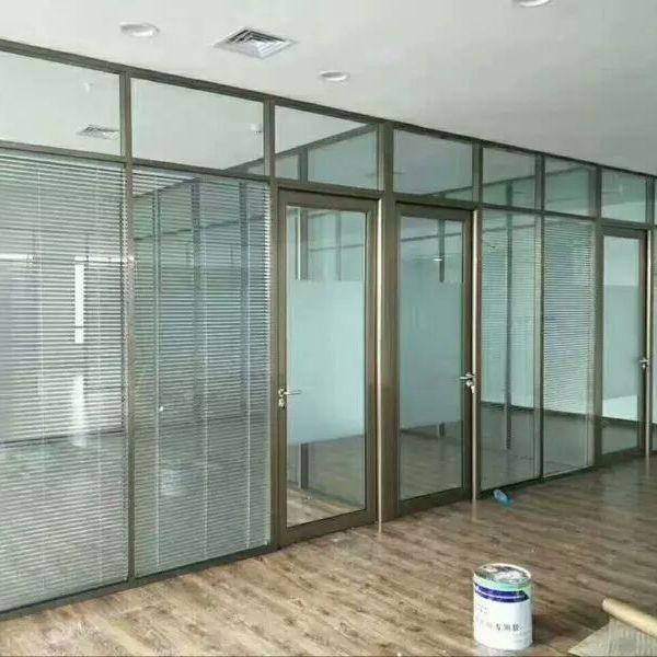 玻璃隔断施工安装百叶隔断安装铝合金隔墙施工