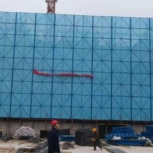 批发供应喷塑冲孔中间蓝爬架网 盖楼建筑安全防护网