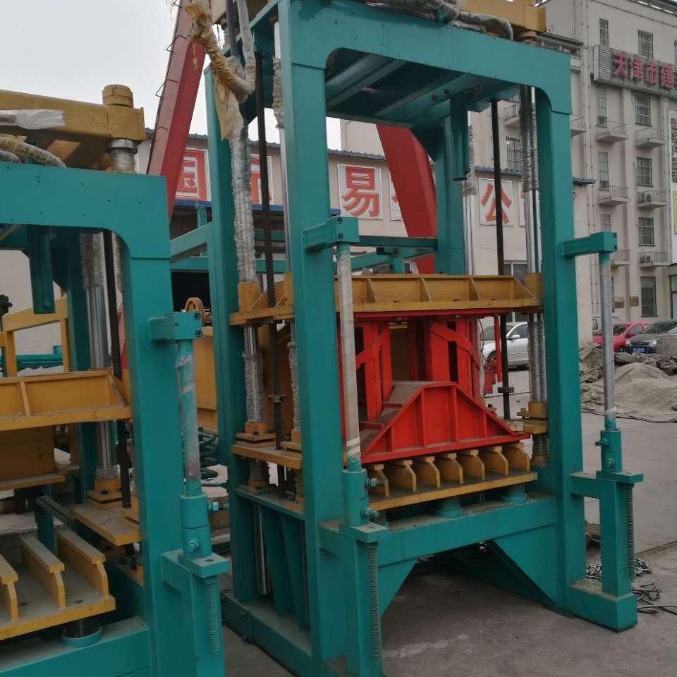 路面彩磚機 液壓機械設備 全自動免燒磚機  建豐磚機 一機多用優勢多多