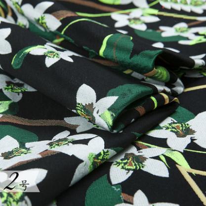 供應 重磅工藝提花布料廓形風衣套裝裙服裝布匹秋時裝滌棉面料