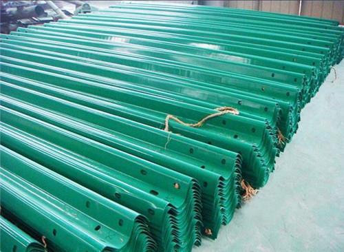 贵阳喷塑波形护栏、贵州渝黔交通、高速公路喷塑波形护栏