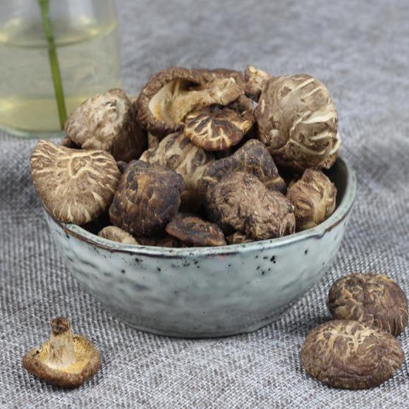 供应 农家椴木香菇干货 野生香菇小花菇 农家干货小香菇